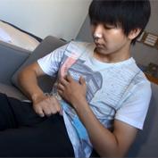 【無修正 ゲイ動画】ショタ感漂う二十歳の素人大学生コナン君がゲイアダルト出演