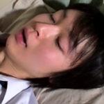 【無修正 ゲイ動画】ショタ系高校生が制服すがたのままで犯される事案発生…苦痛に美少年の顔が歪む!