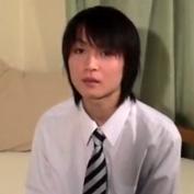 【無修正 ゲイ動画】高校生ぐらいに見えるノンケ素人のオナホ使ってオナニー自撮り映像