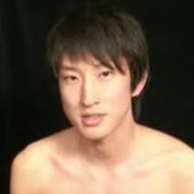 23歳のノンケイケメンがオナニー初撮り!男を知り尽くしたゲイ男性に初めて手コキされて思わず大量射精