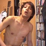 【無修正】バンドマンの素人イケメンがエッチな顔をしながら自撮りオナニー